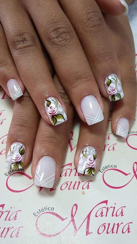 Unha delicada de Vanice Moura. Sensitive nail. Uña sensible. Unghie sensibili.