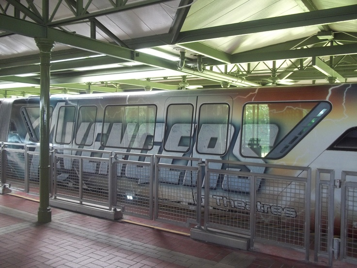 The Monorail in Disney World!!