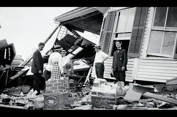 Galveston Hurricane, Texas, 1915 275 dead Right in the line of fire for Atlantic hurricanes, Galveston was slammed again 15 years after enduring the devastating 1900 hurricane. In response to that storm, the townspeople built a seawall to protect against future flooding from hurricanes hitting its coast. Galveston avoided the high death toll of the previous hurricane with the newly built seawall; out of the 275 people killed in the storm, only 11 were Galveston citizens.