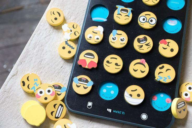 make me iconic emoji puzzle toy