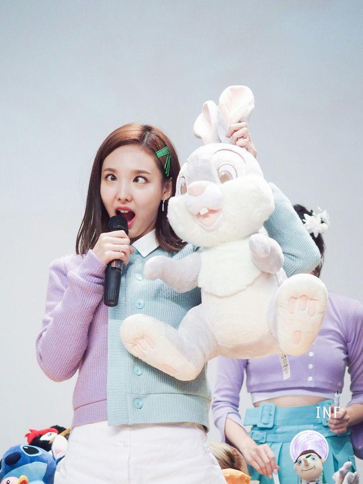 Nayeon bunny