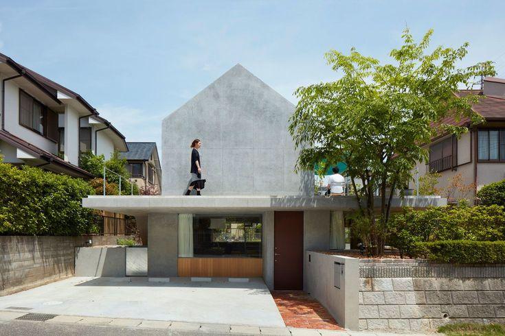 Tomohiro Hata . Floating hut . Shiga