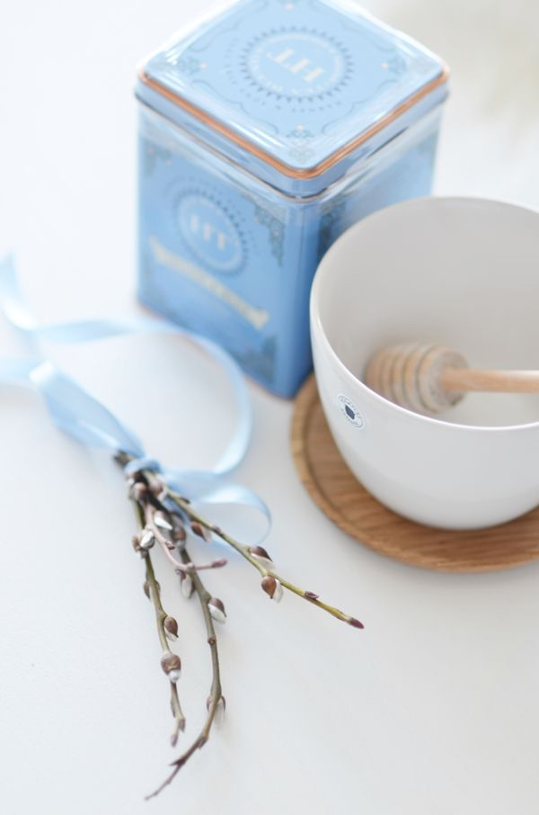 {Fabelaktig} gåsunger, tea, teatime, satin, babyblue