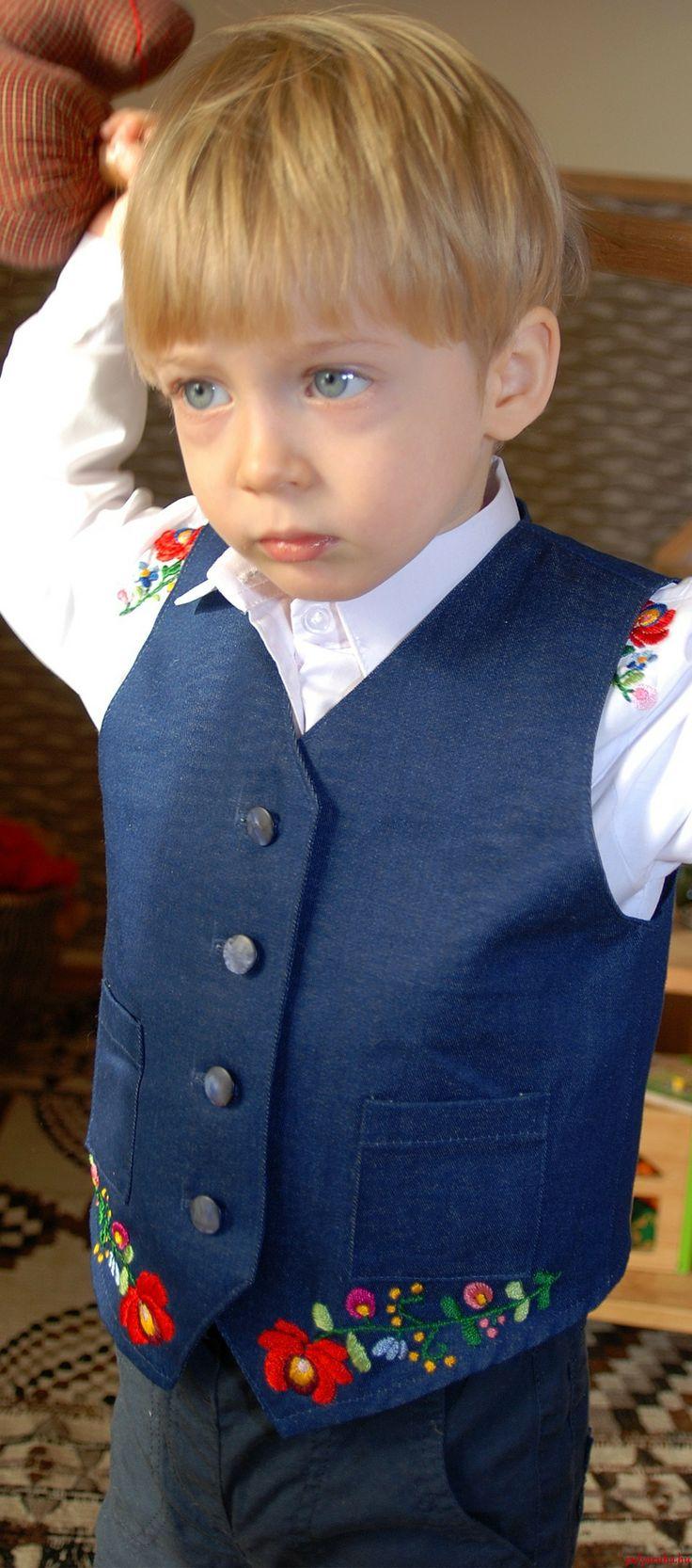 https://www.etsy.com/listing/168820538/girls-dress-handmade-with-matyo?