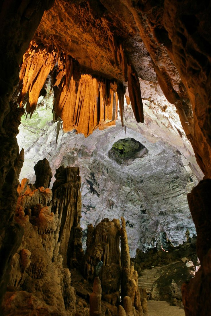 Grotte di Castellana - The Grotte di Castellana are one of the most important attractions of Puglia and natural heritage of inestimable value to Italy.