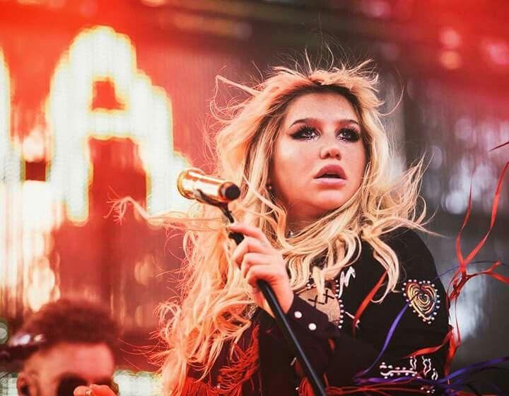 Kesha na Fuck The World Tour, 2016