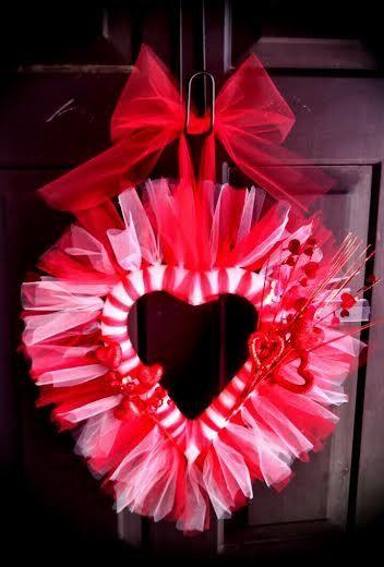 303 best VALENTINE WREATHS images on Pinterest | Valentine wreath ...