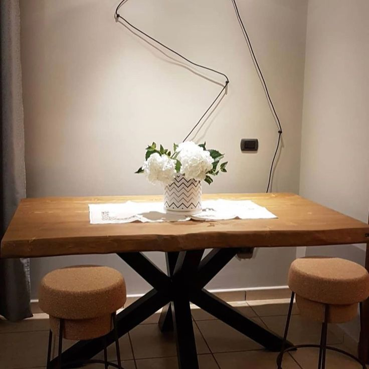 Jeff Extendable Dining Table On Offer On Xlab Tavolo Da Pranzo Allungabile Jeff In Offerta Su Xl Dining Table Extendable Dining Table Painted Dining Table