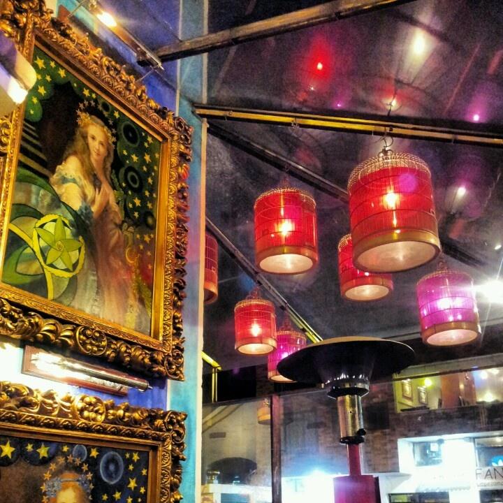 La boca del lobo. Bar en Quito.