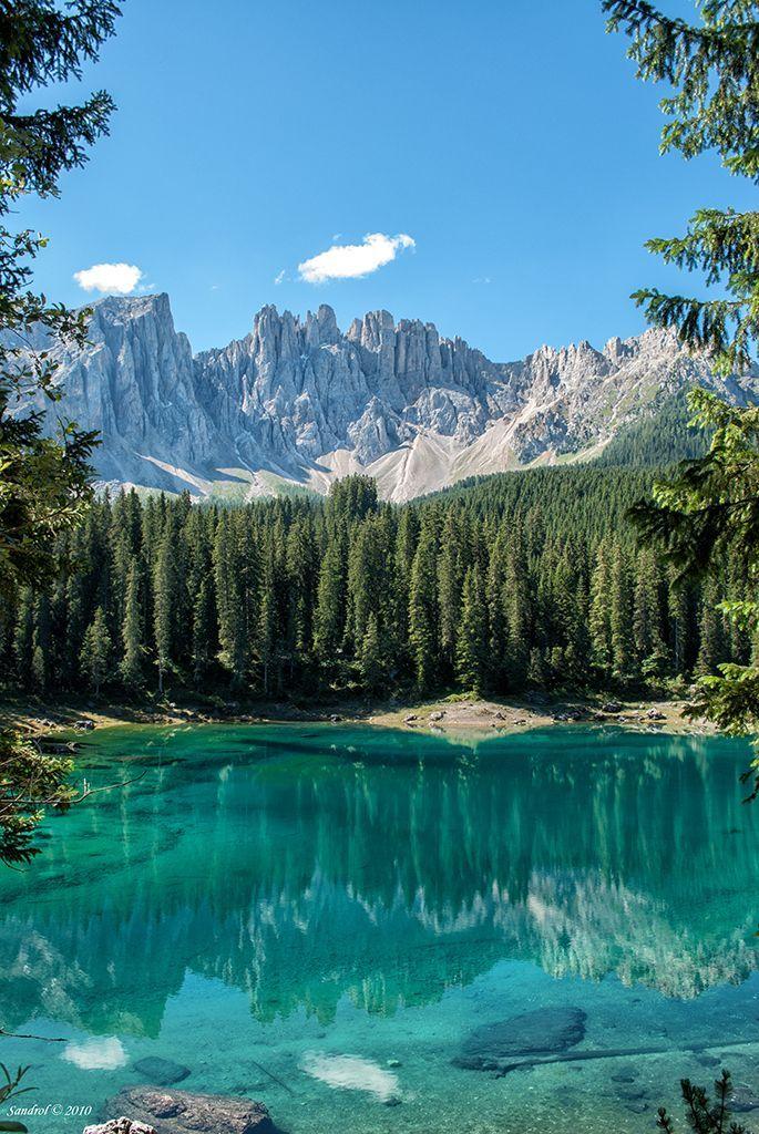 Italien, Karersee mit Blick zum Rosengarten