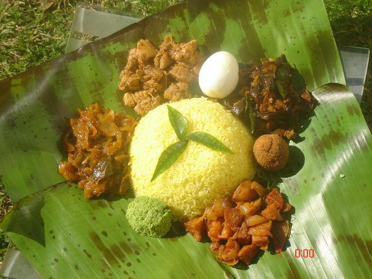 Lump rice, traditional Sri Lankan food...You may find this at khaogali.com