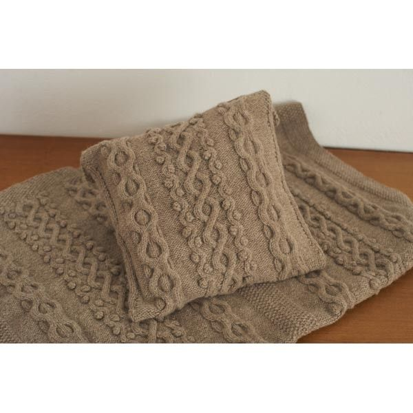 Free Bobble and Waves Throw and Cushion knitting pattern1 ...
