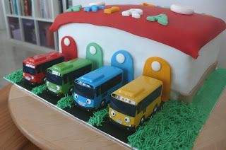 Debbie's Little Sweets: Tayo Buses Make Cool Cakes
