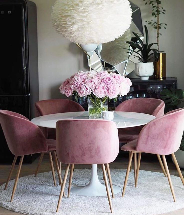Dining room inspiration: Let's get inspired by the most dazzling mid-century dining room that is going to elevate your interior design.