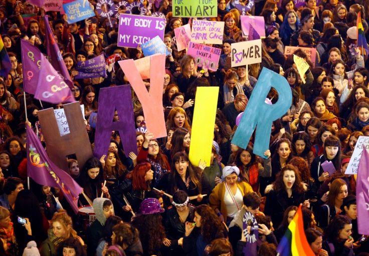 Reuters objektifinden İstiklal Caddesi'ndeki yürüyüş: Adamlığa da tek adamlığa da hayır - Diken