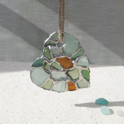 Mosaic seaglass heart. I need to figure how to make, website is where to buy, not how to make :(