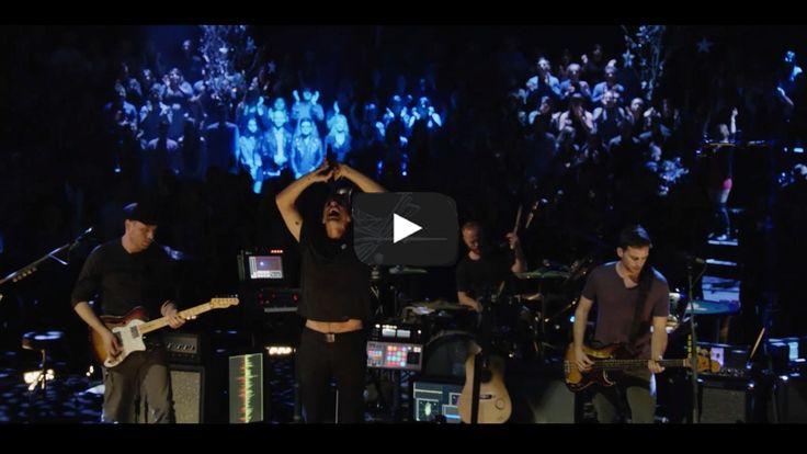 Coldplay - A Sky Full Of Stars  de clip is klaar.. kun je zo het nieuwe schooljaar mee invliegen en dansen!