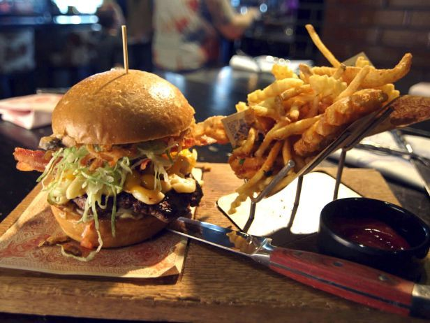 Bacon Macaroni Burger & fries three ways @ Guy Fieri's Kitchen and Bar Las Vegas, NV : Food Network's Guilty Pleasures