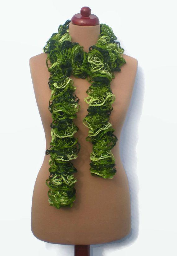 Sashay gekräuselte Mesh-Schal. Grüne Hand stricken von Majilly