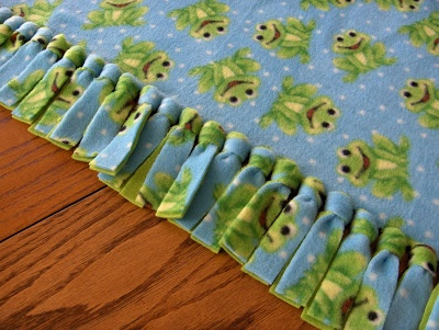 No-Sew Fleece Blanket How-To ~ Anyone can make this adorable no-sew blanket... easy and so cute! Great diy gift idea