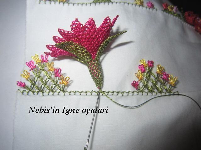 Anatımlı İğne Oyası Çiçek Yapılışı
