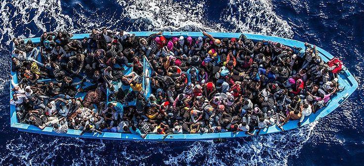 Bateau de migrants surchargé