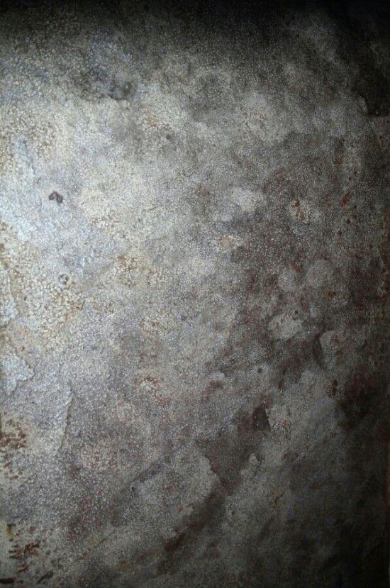 """아래의 사진들처럼(출처 """"구글"""" 이미지)최근까지도벽면이나가게나 상가 바닥에 빈티지한 느낌의 인테리어를..."""