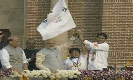 PM #Modi flags off 'Run for Unity' at Dhyan Chand National Stadium