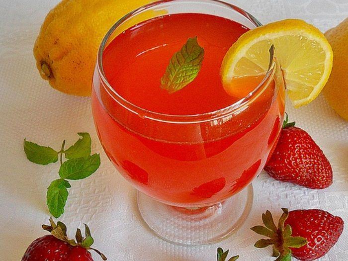 Çilekli Soda