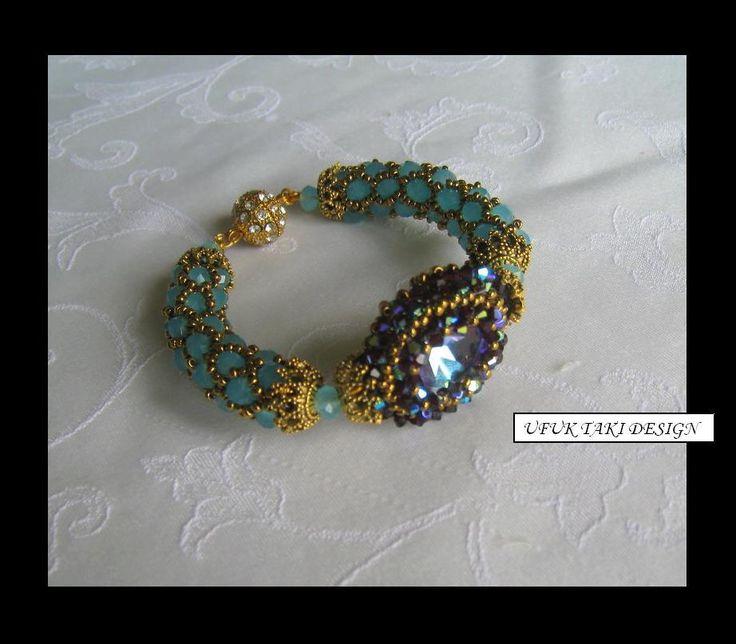Ufuk Taki Design  * love the idea of netted sides - great feelBeads Inspiration, Style Bracelets, Beads Beads, Beads Bracelets, Beaded Bracelets, Marvel Beads, Beadweaving, Beads Creations, Jewelry Beads