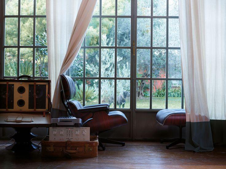 Nice photo of Eames Lounge Chair & Ottoman