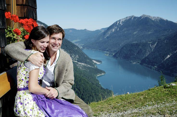 Den schönsten Ausblick auf den #Achensee gibts von unseren Bergen.  http://www.karwendel-achensee.com/de/pertisau-achensee-erleben/