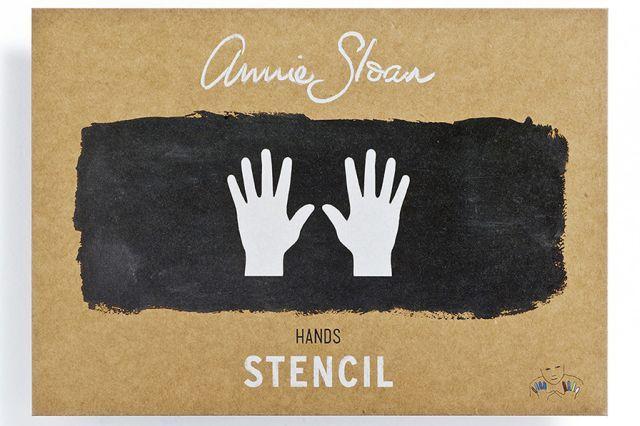 Annie Sloan Hands verfsjabloon. Dit sjabloon is een grappig statement om mee te spelen. Het werkt goed alleen of in een patroon herhaling. Het past overal bij, je kan het op moderne of rustieke meubelen aanbrengen.