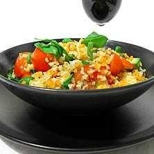Man kan också servera grillat kött eller kyckling till salladen om man inte vill äta vegetariskt.