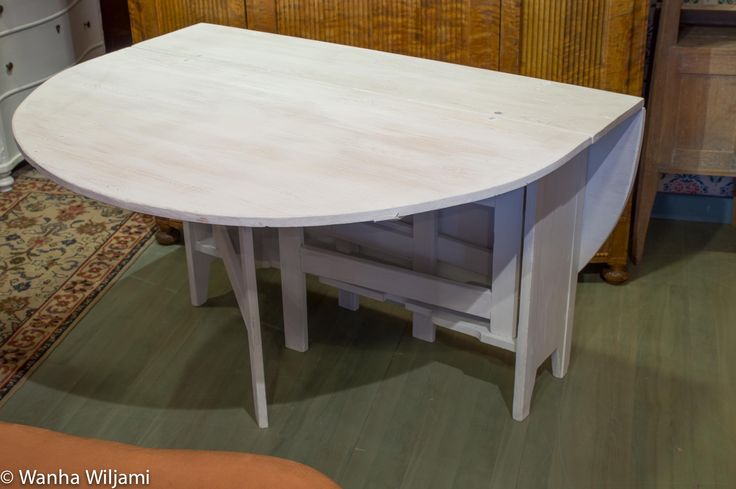 Klaffipöytä 1800-luvun alusta