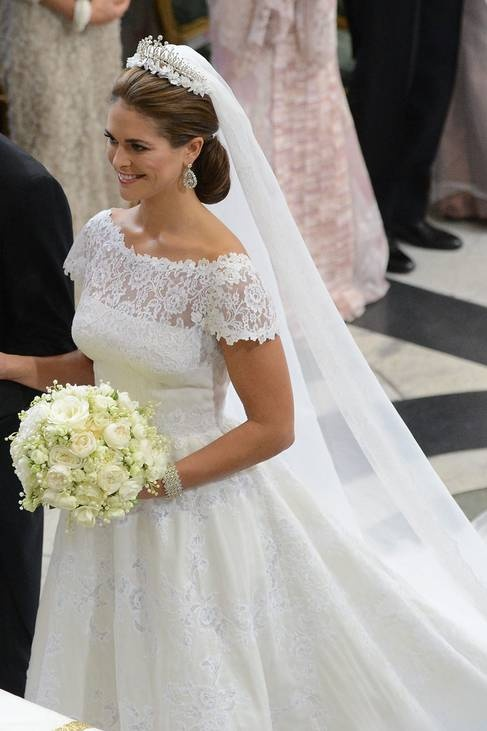 Princess Madeleine Of Sweden In Her Wedding Dress By Valentino Pretty Slightly Matronly As Lace Tends To Go That Way But Still The Up