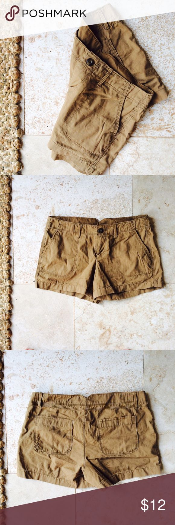 🌿simple brown shorts •in awesome condition •only been worn once •size 2 •brand: Old Navy Old Navy Shorts