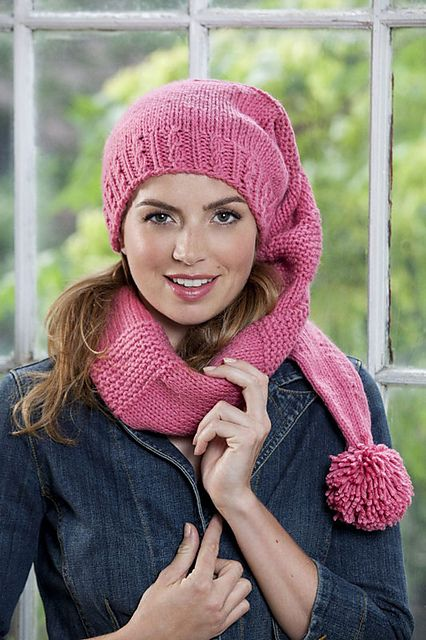 Free Pattern: Stocking hat!  I can think of some cute girls this would look wonderful on...
