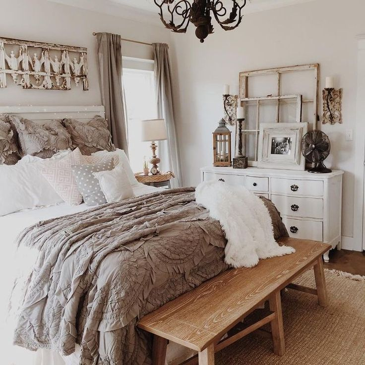 Stunning Vintage Farmhouse Bedroom Decoration Ideas 21