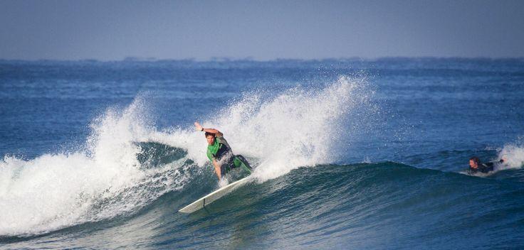 Surfcamps, Turismo e Viaggi Surf. Con noi troverai il surf camp ideale. L'emozione di cavalcare le onde in ambienti unici. Vacanze, lezioni e corsi di surf.