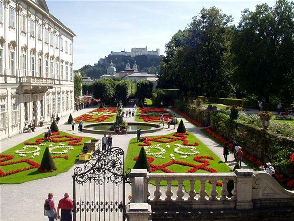 http://inredningsvis.se/travel-inspiration-salzburg-osterrike/  salzburg-mirabel-gardens