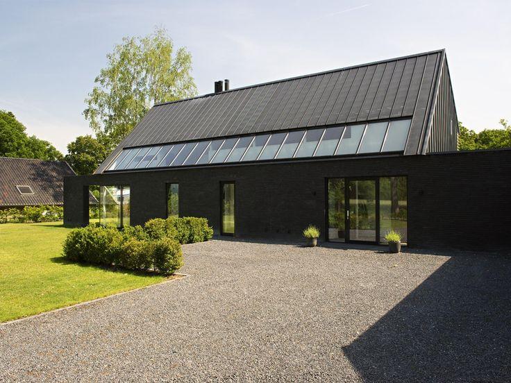 zinken dak zwarte gevel - Google zoeken
