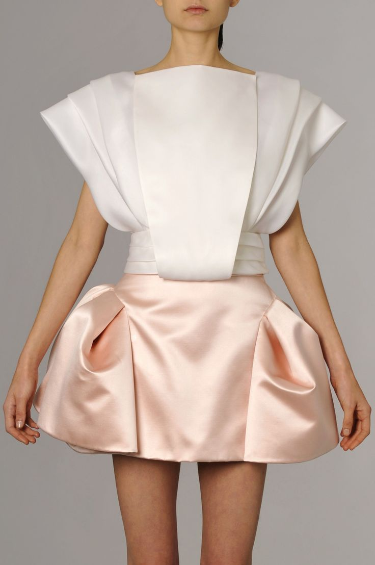 Architectural Fashion - beautifully balanced, structured dress with elegant pleating and a 3D sculptural silhouette // Dice Kayek