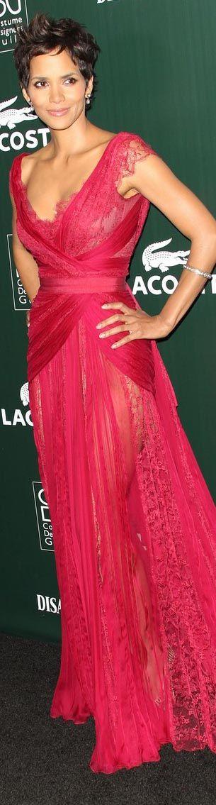 Estos son los looks de alfombra roja que pueden lucir tus damas <3 http://bodatotal.com
