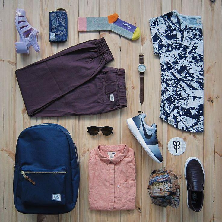 Trendy freshvýběr. Triko, kalhoty, košile Wemoto, batoh, peněženka Herschel Supply, ponožky HappySocks, čepice Wesc, boty Vans, Nike, Juju SHoes, hodinky, brýle Komono. To vše na www.freshlabels.cz