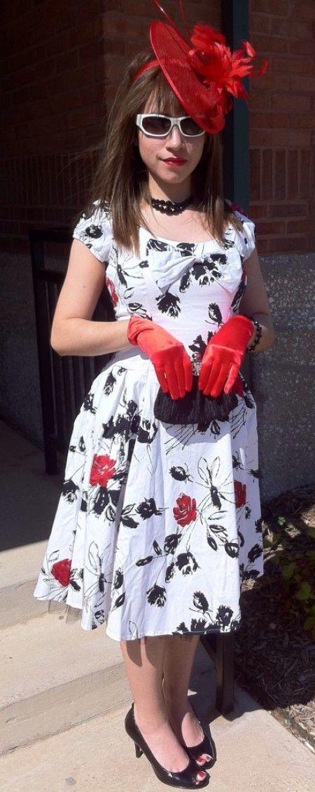 1000 images about tea party on pinterest petit fours for Vintage wedding dresses dallas