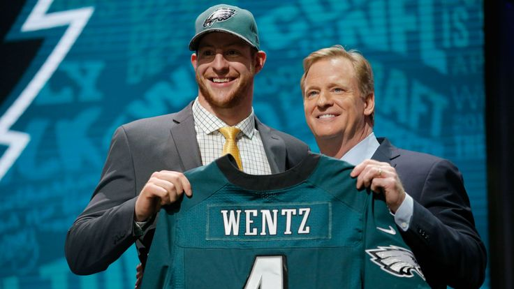 The path to the Super Bowl, starts first by running the NFC East. To do that, the Cowboys will have to best the New York Giants, the Washington Redskins and the Philadelphia Eagles. Today, we look at the Philadelphia Eagles' draft picks that could be the biggest problem for the Cowboys. Believe me this wasn't Continue reading NFC East Rookie Watch: Philadelphia Eagles at Inside The Star.