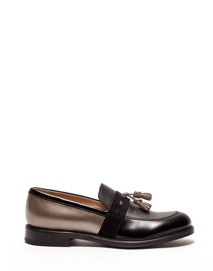 INES LOAFERS IN LAMINATED CALFSKIN LEATHER WITH TASSELS - Shoes Woman - Alberto Guardiani