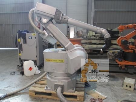 FANUC Robotics also offers a broad range of different robot models which are useful in foundry situation.