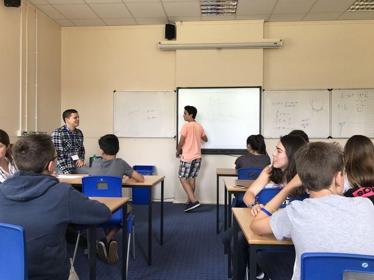 Class    Christ's Hospital: Esta notable escuela ofrece a todos sus alumnos la oportunidad de alcanzar su máximo potencial académico y desarrollar sus intereses y talentos en un ambiente de apoyo y estimulación      #WeLoveBS #inglés #idiomas #ReinoUnido #RegneUnit #UK #Inglaterra #Anglaterra #SummerCamp